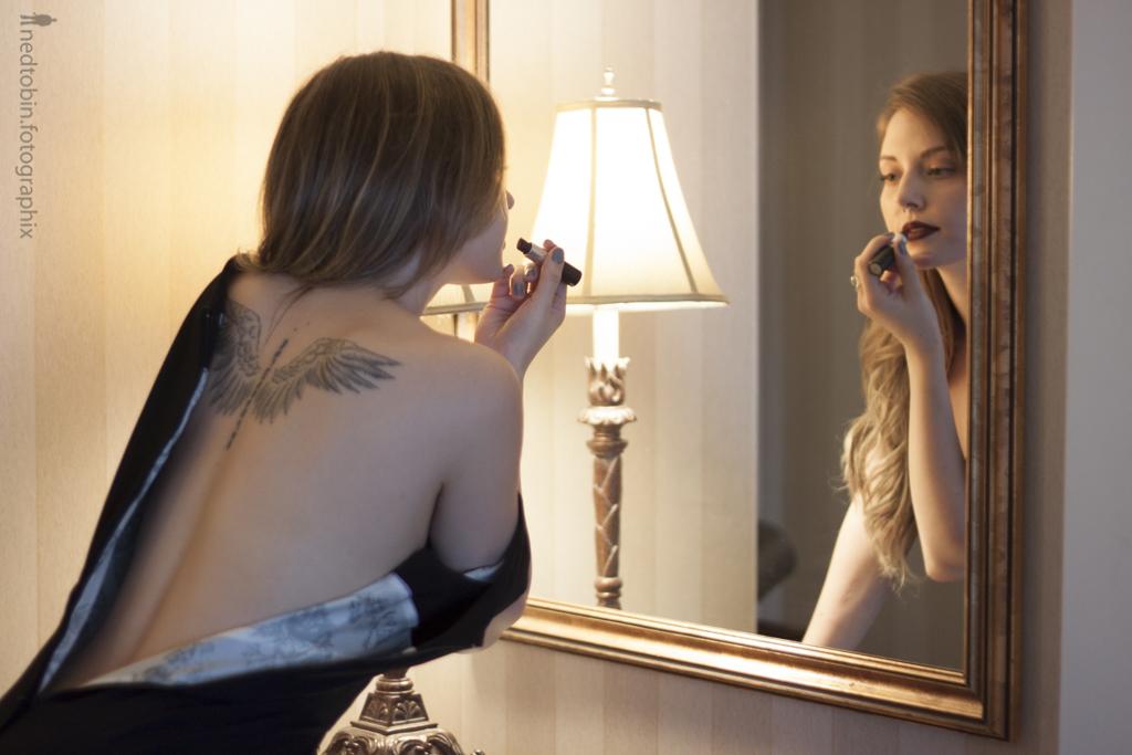AmyLynn Emm - Ned Tobin - Swanky Hotel Boudoir