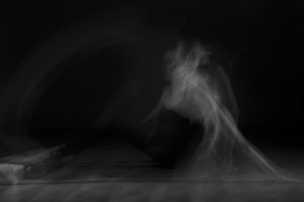 Leiah Luz - Ned Tobin - studio dancer