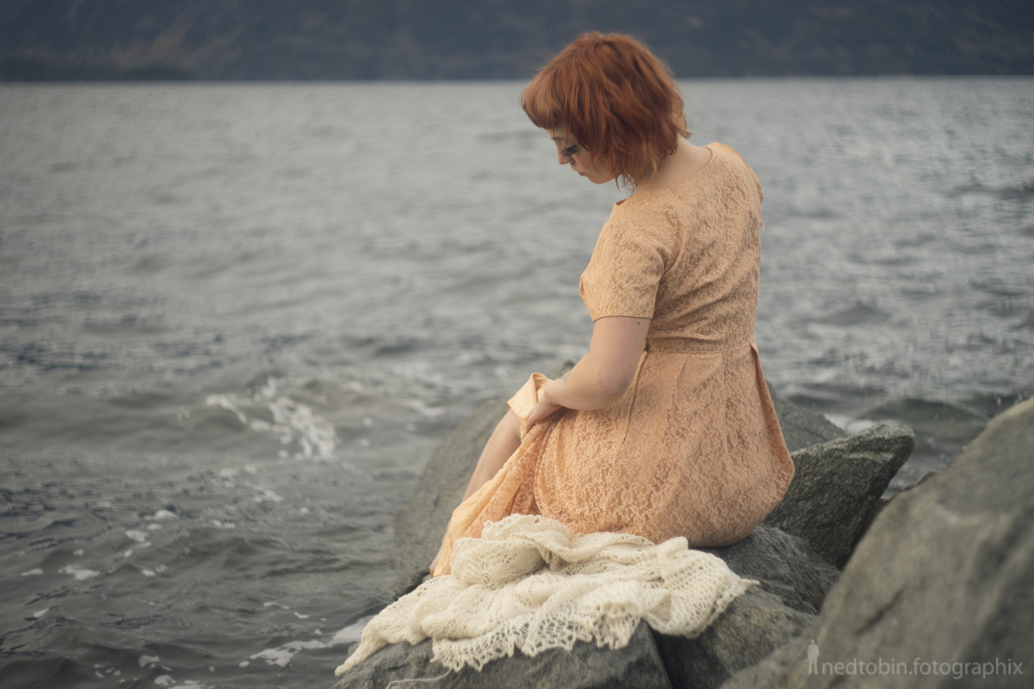Bunny Sumthin - deneot foto - melancholic ocean