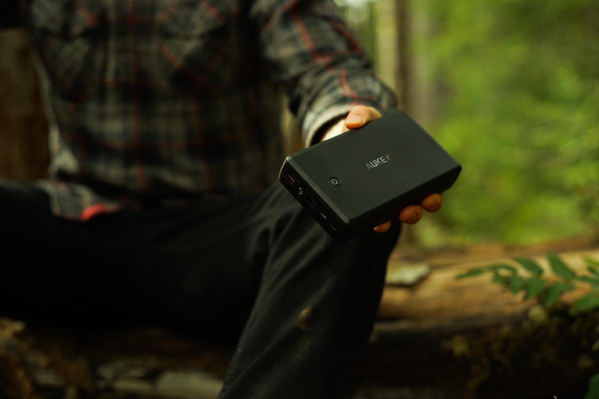 AUKEY 30000 mAh portable battery power bank
